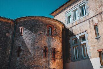 place-castre-cannes-tourism-old-town